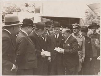 Carlos de Bregante Torres na Feira do Livro de Lisboa com o Presidente da República Carmona Rodrigues