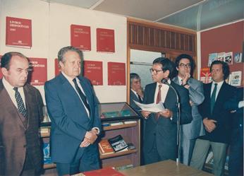 Feira do Livro de Lisboa com o Presidente da República Mário Soares
